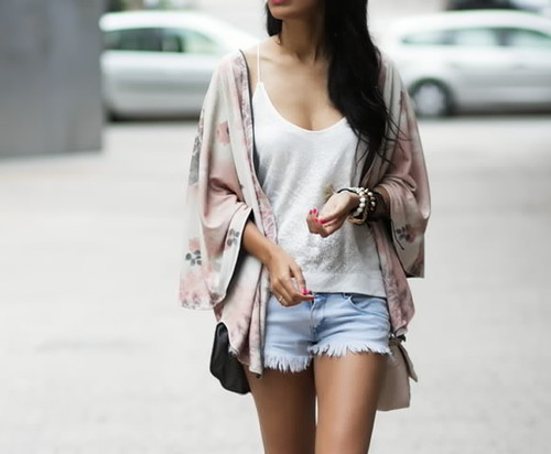 pink-kimono-street-style.jpg