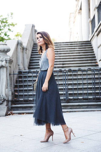 Tulle_Skirt-Twinset-Striped_Blazer-Outfit-Street_S