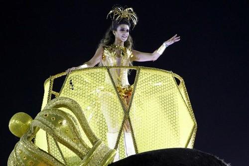 Paula Fernandes (Carnaval Rio 2016)