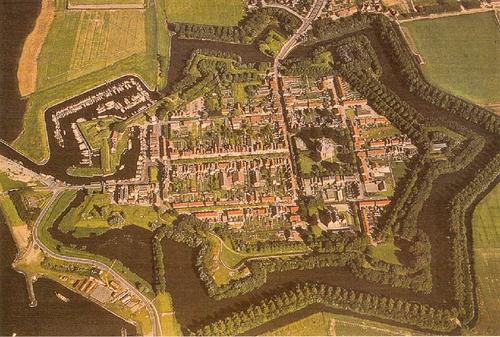 A cidade fortificada de Willemstad (Holanda)..png