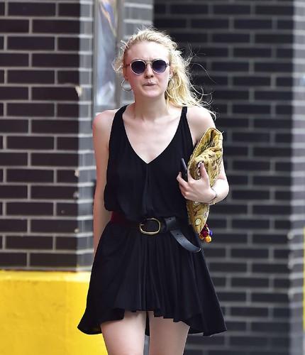 Dakota-Fanning-in-Short-Black-Dress--05.jpg