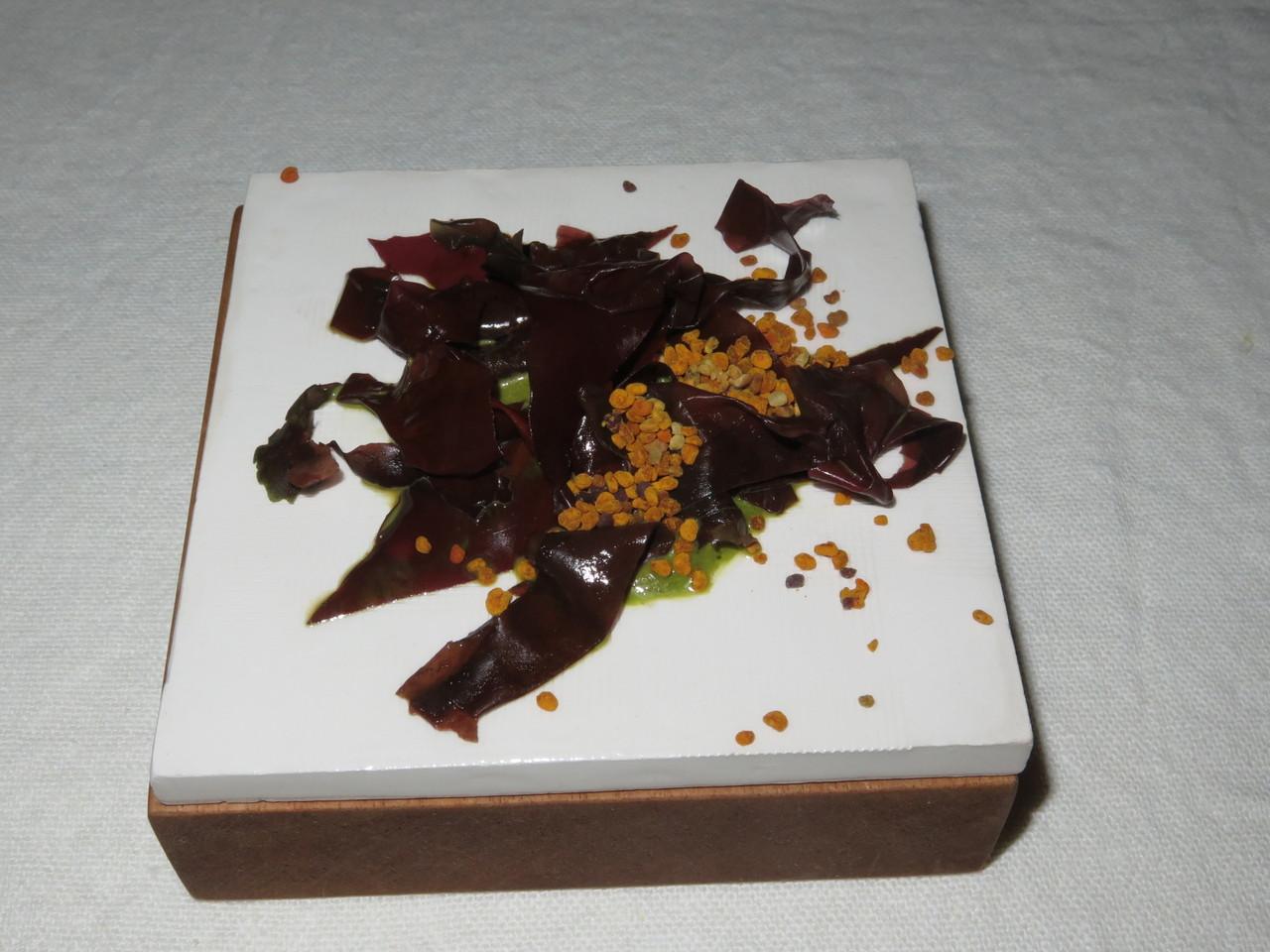Puré de salicórnia com alga dulse e pólen