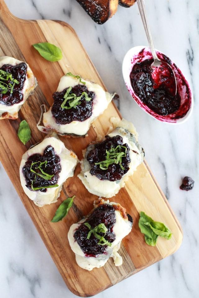 Blueberry-Basil-Balsamic-Mozzarella-Crisps-12.jpg