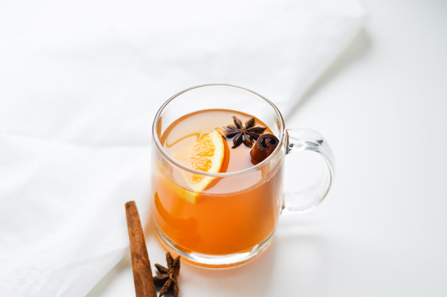 mulled-white-wine-01.jpg