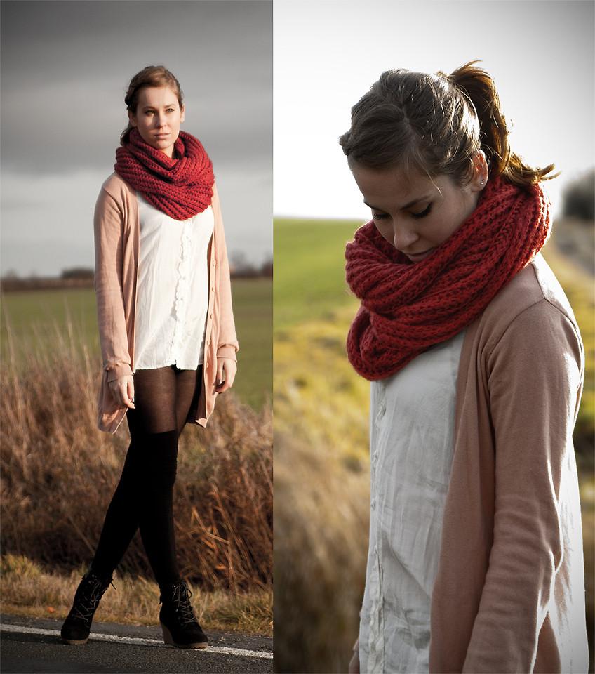 1817378_loop scarf and cardigan.jpg