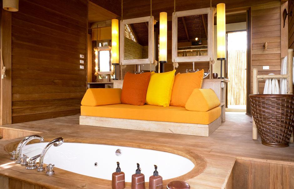 deluxe_pool_villa_bathroom.jpg