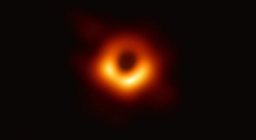 buraco negro.jpg