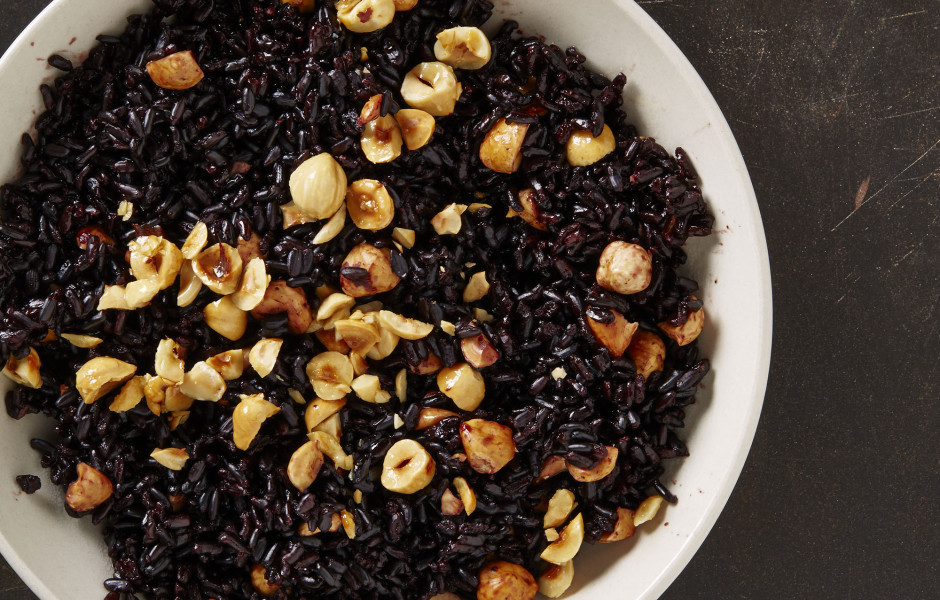 side-black-rice-hazelnuts-940x600.jpg