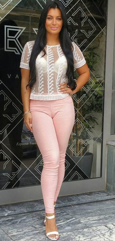 Alexandra Ferreira 2