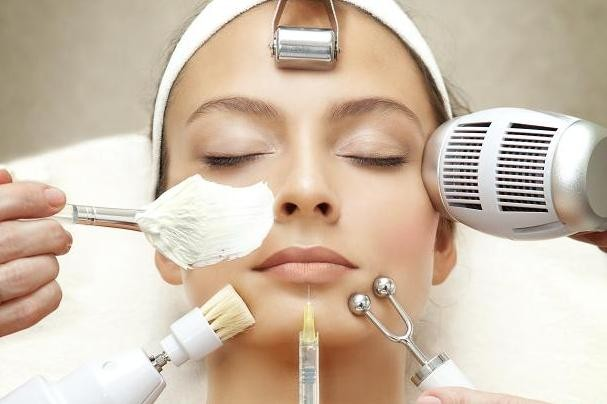 Aesthaetic-Face-Treatment.jpg