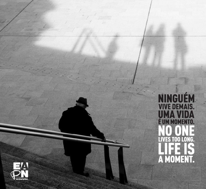 Ninguém vive demais.jpg