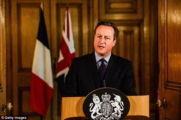 Cameron com protocolo britânico (14-11-15)