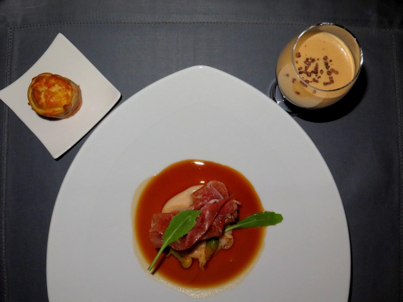 O Porco Bísaro de Ricardo Costa, com a bola de morcela e Ristretto... e o cocktail de café de Nelson Matos