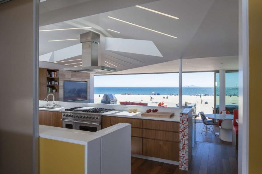 Silver-Strand-Beach-House-04-850x567.jpg