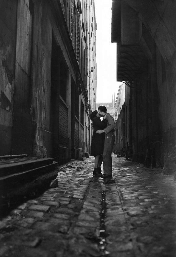 Jean-Philippe Charbonnier ,Lovers,Paris 1950s.jpg