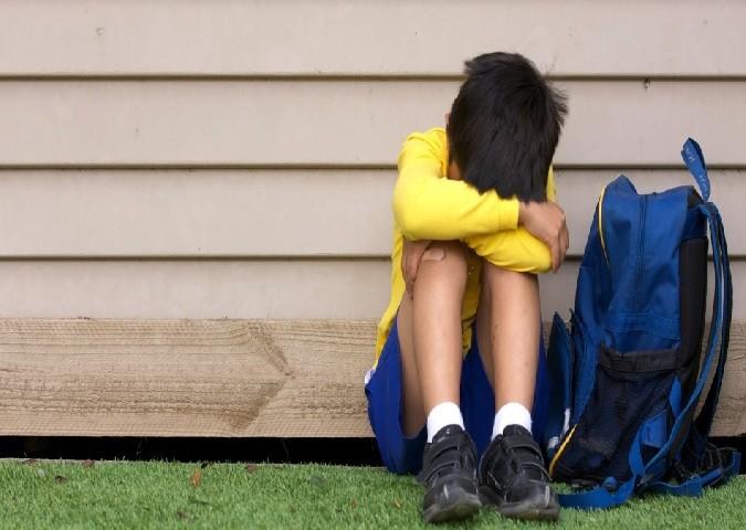 crianca-triste-menino-escola-1417629735426_956x500