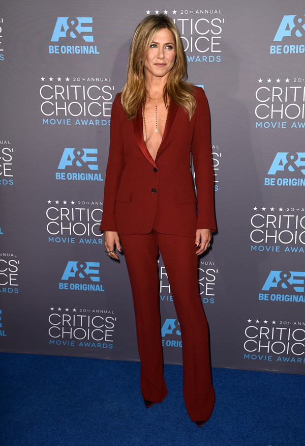 critics-choice-awards-2015-red-carpet-fashion-15.j