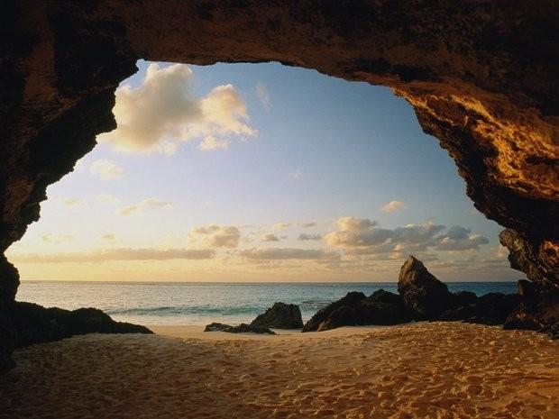 561ebae08bd380d2282d8274_Bermuda-Getty.jpg