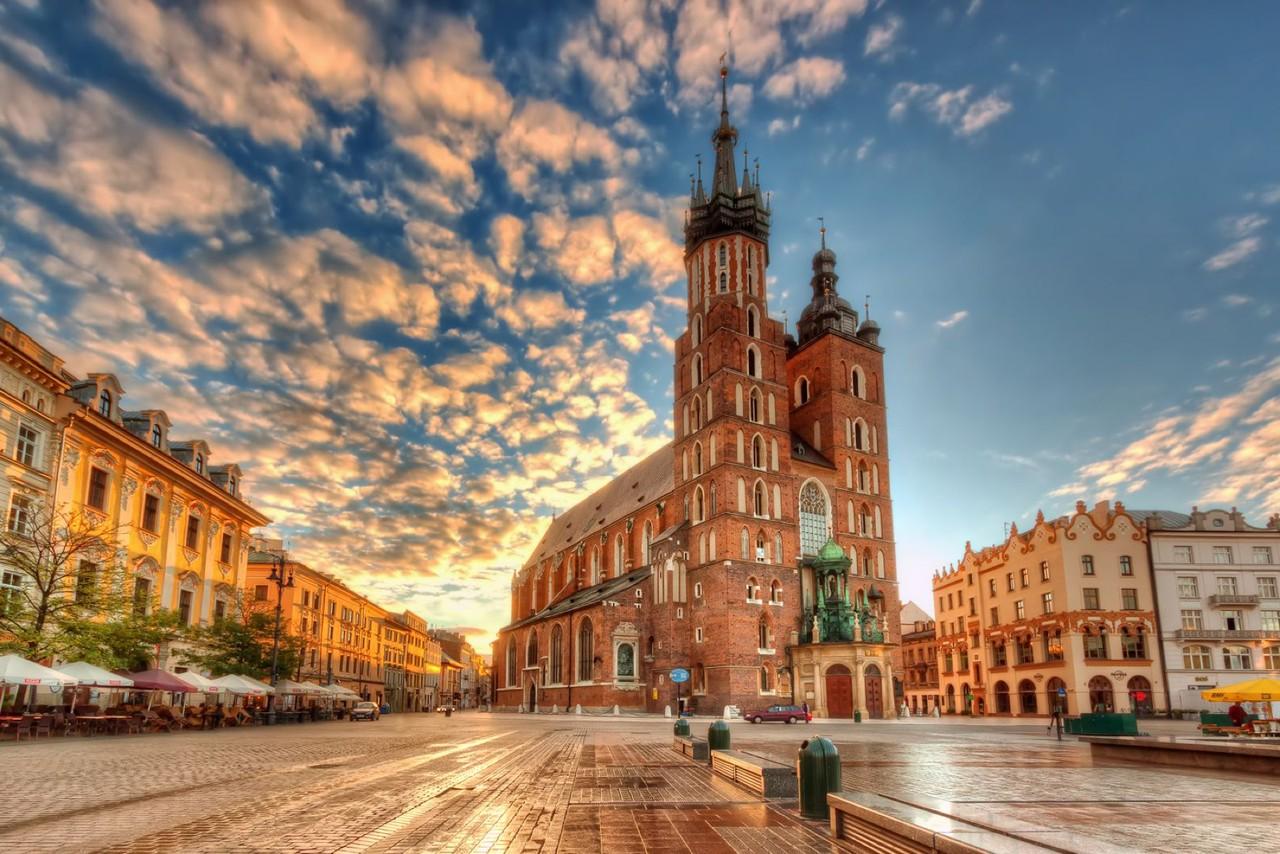Mary-Basilica-Krakow-s.jpg