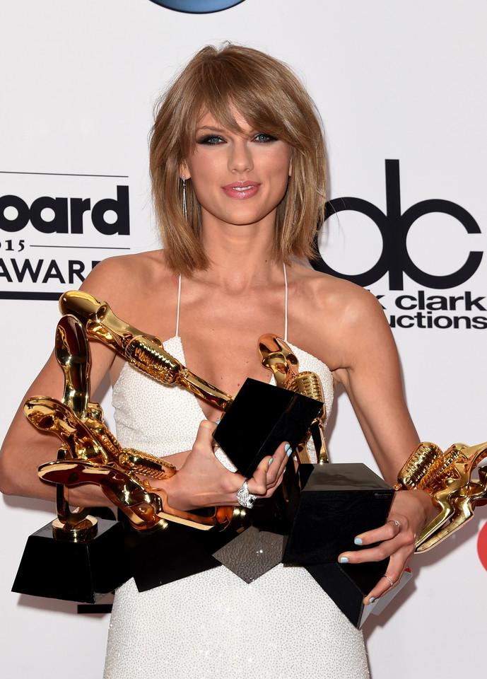 Taylor_Swift_01.jpg