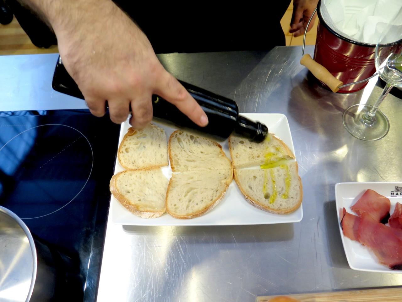 Pão torrado com azeite