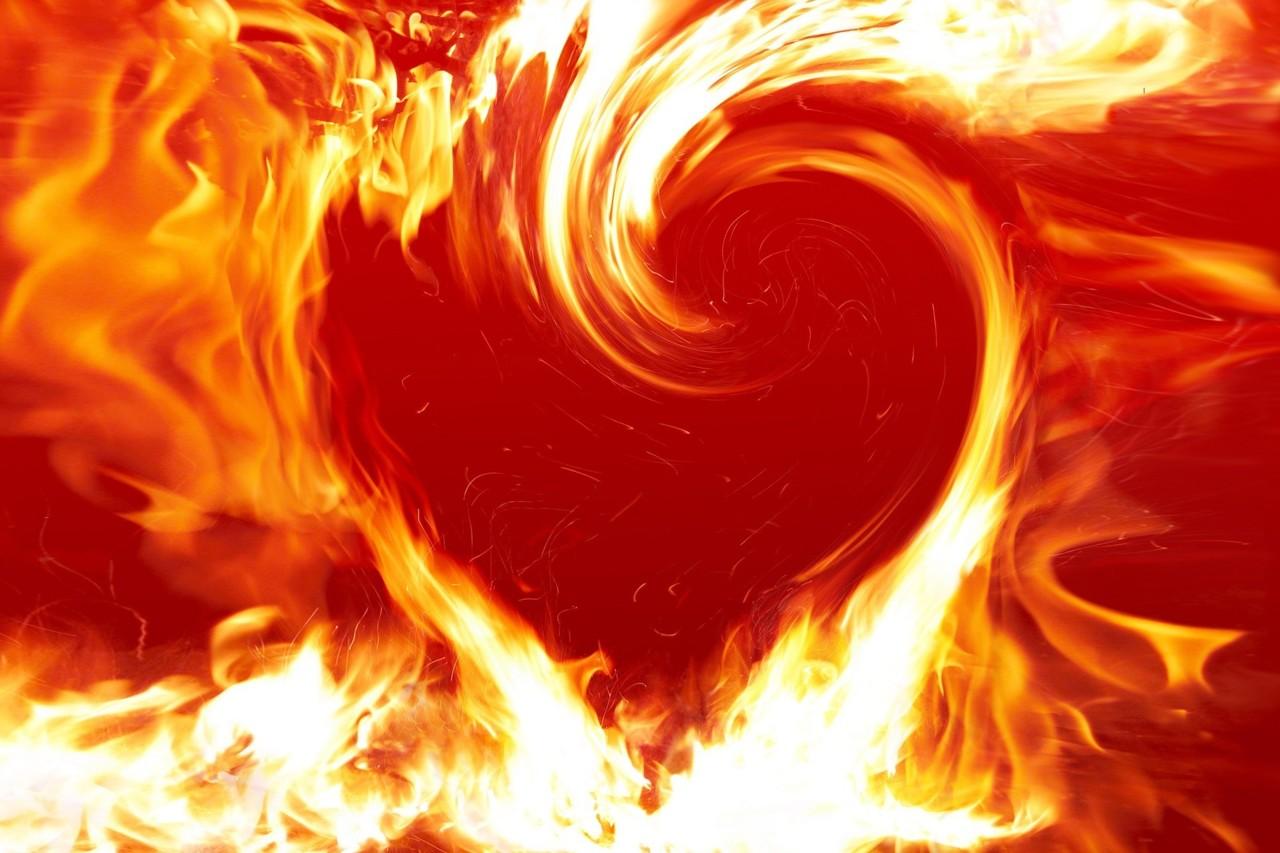 fire-heart-961194_1920.jpg