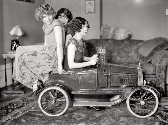 The Bronx Sisters, 1920s.jpg
