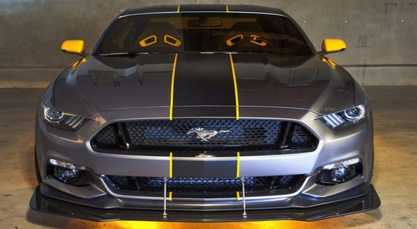 2015-Ford-Mustang-F-35-Lightning-II-Edition-front.