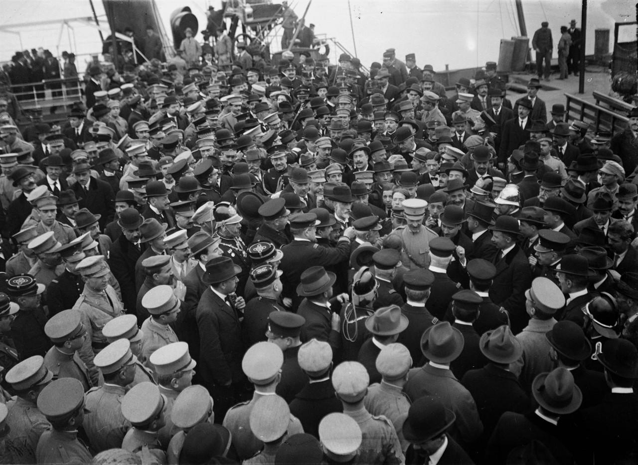 Regresso de Sidónio Paes da sua visita ao Além Tejo e ao Algarve (Attr. a J. Benoliel, 1918)