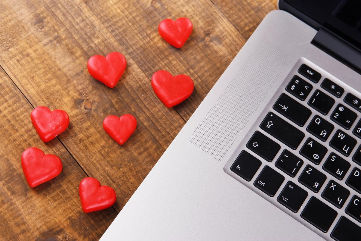 Technology-romance-love.jpg