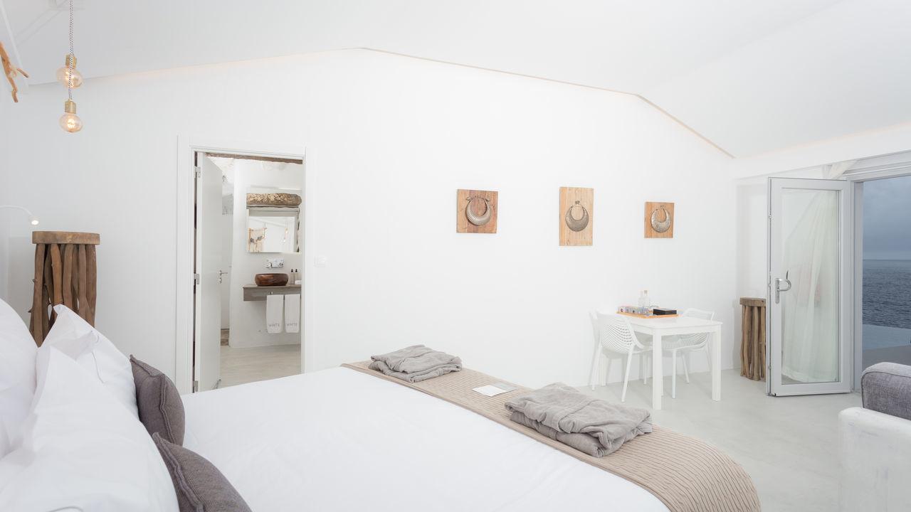 white-exclusives-suites-amp-villas-galleryunique-s