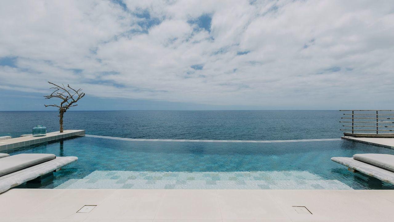 white-exclusives-suites-amp-villas-gallerylf_white