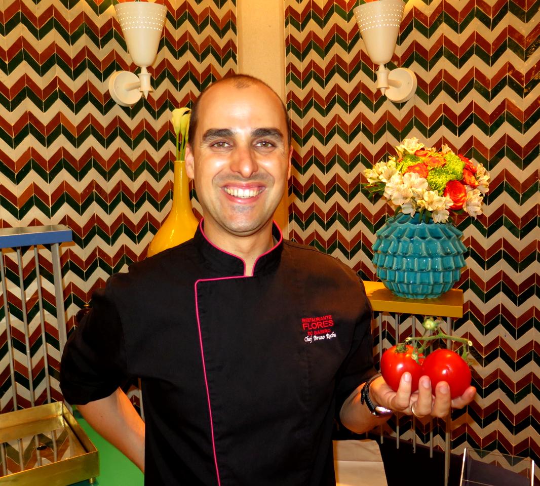 Bruno Rocha e o tomate do seu mais famoso tártaro