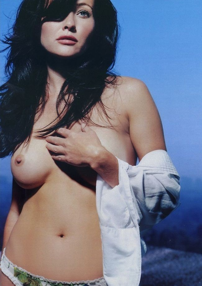 Shannen-Doherty-Playboy-01.jpg