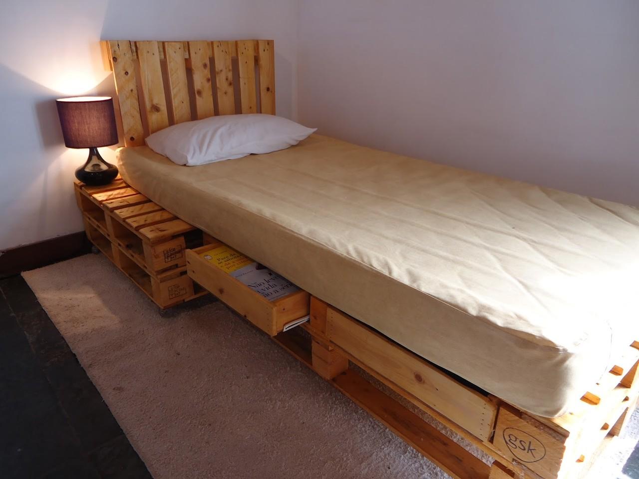 cama de solteiro com cabecira e lateral.jpg