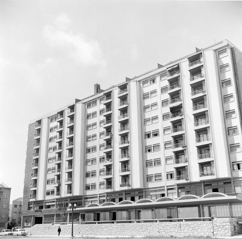 Bloco das Águas Livres, Lisboa  (F. M. J. Matias, 1959)