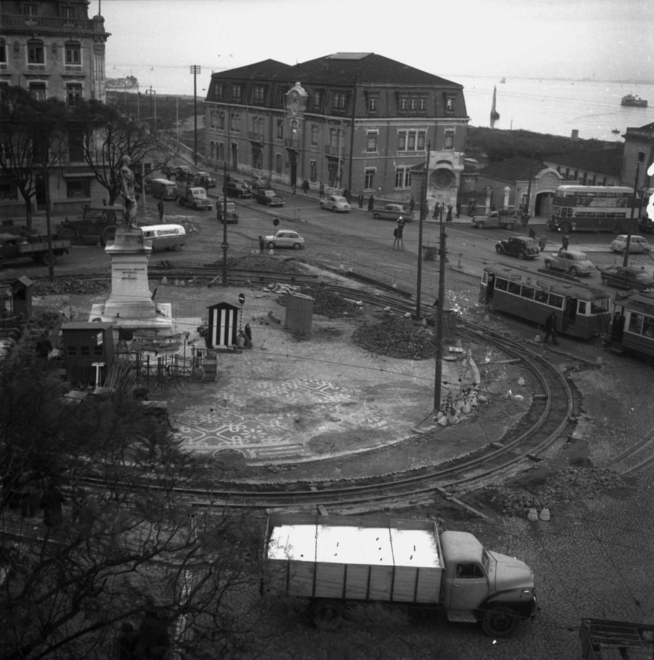 Caes do Sodré, Lisboa (j Benoliel, c. 1950)