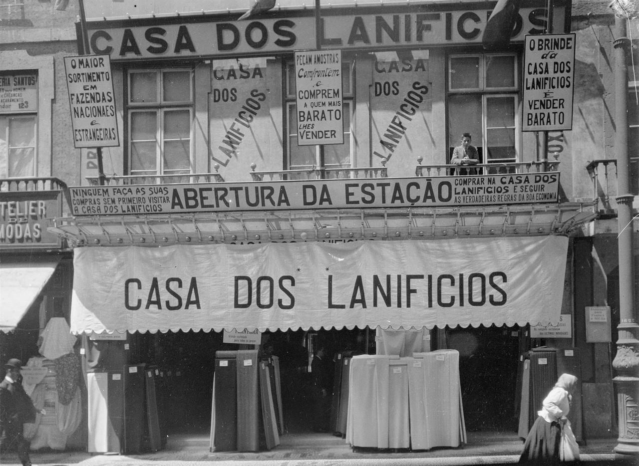 Casa dos Lanifícios, Rua Augusta, 125 (J. Benoliel, 19-; A.F.C.M.L., A8457