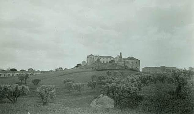 Pátio do(s) Geraldes (ou Giraldes), Lisboa (E. Portugal, s.d.)