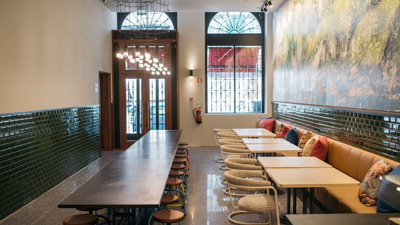 the-house-ribeira-hotel-gallerybar.jpg