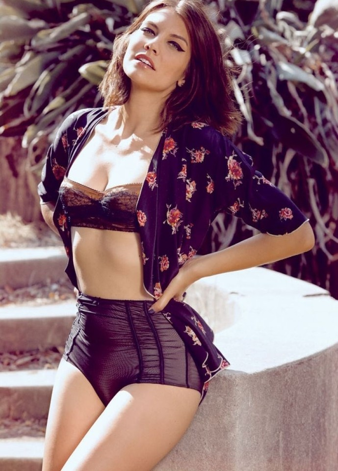 lauren-cohan-in-maxim-magazine-october-issue-van-w