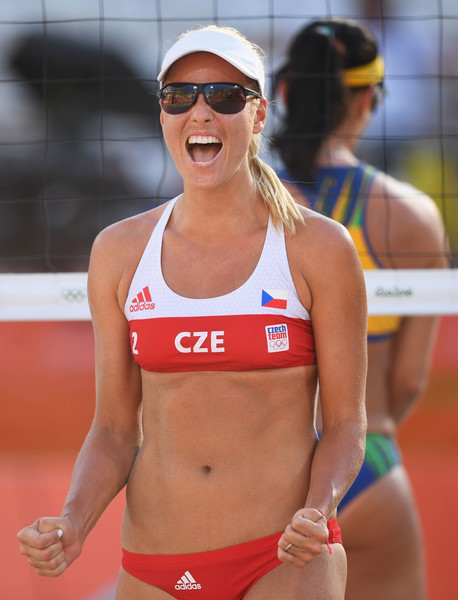 Beach+Volleyball+Olympics+Day+1+UmWhlT3jzTHl.jpg