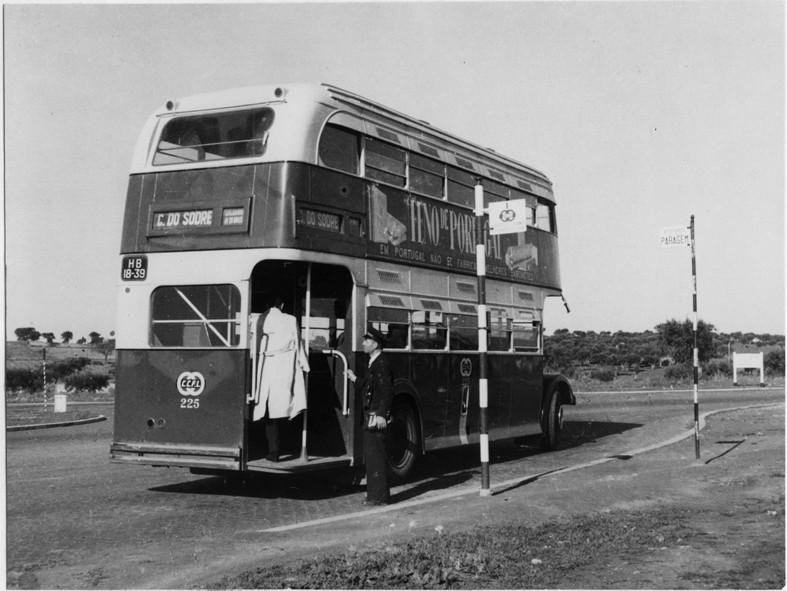 Autocarro 1, Rotunda da Encarnação, 1952