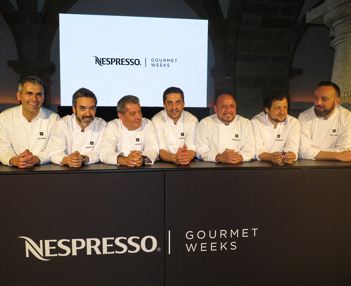 Os chefs anfitriões da 3.ª edição das Nespresso Gourmet Weeks: Luís Pestana (WILLIAM), Henrique Sá Pessoa (ALMA), Rui Paula (CASA DE CHÁ DA BOA NOVA), Ricardo Costa (THE YEATMAN), Henrique Leis (HENRIQUE LEIS), João Rodrigues (FEITORIA) e Pedro Lemos (PEDRO LEMOS), bem como Vítor Matos (ANTIQVVM) apesar de ausente da apresentação oficial