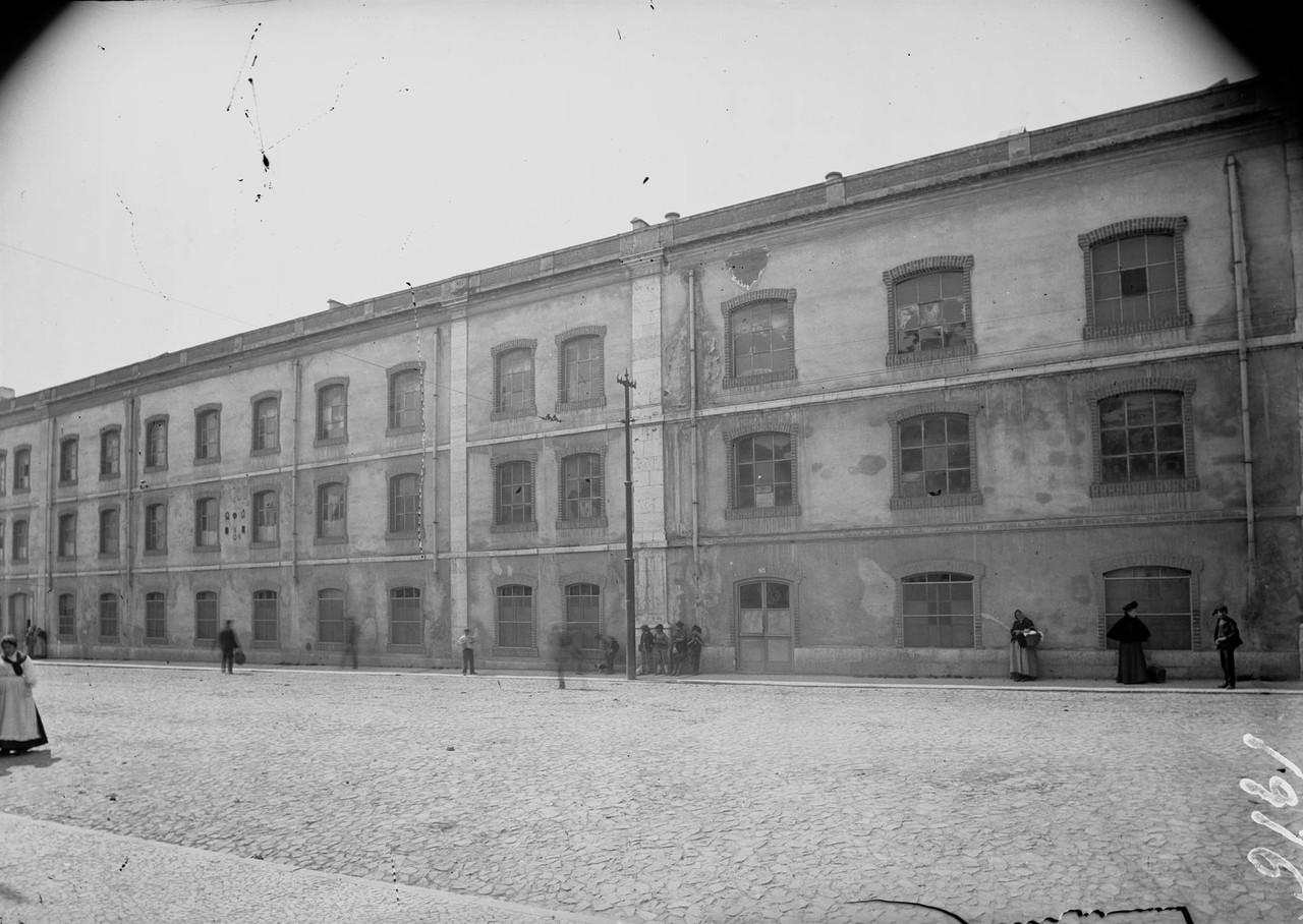 Fábrica de lanifícios de Arroios, onde forama as casas dos condes de Mesquitela.