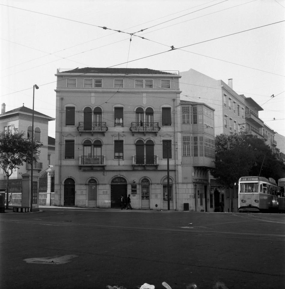Casa dos estudantes do império, Arco do Cego (A.J. Fernandes, 1961)