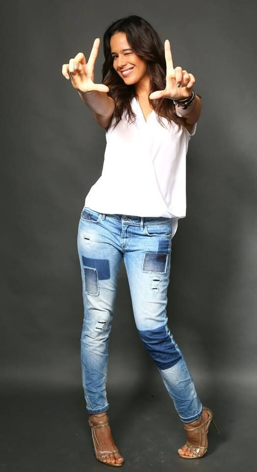 Adriane Garcia 4