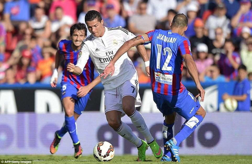 1413646535021_wps_13_Real_Madrid_s_Portuguese_.jpg