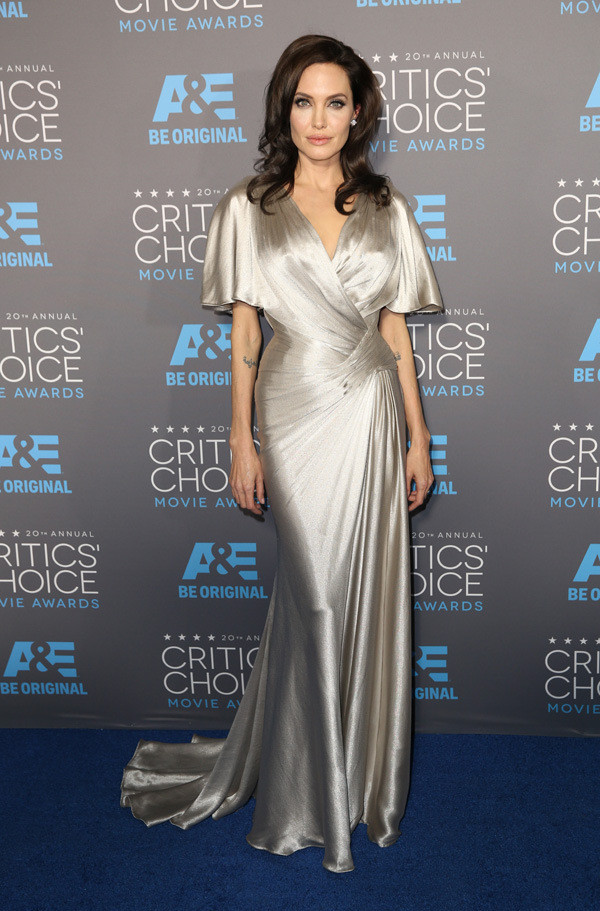 critics-choice-awards-2015-red-carpet-fashion-14.j