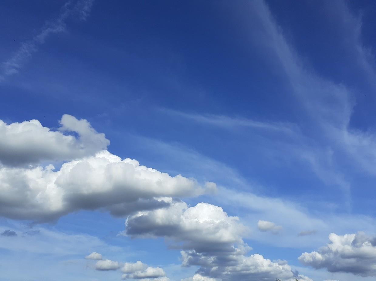 nuvens poema.jpg